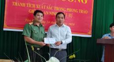 Công an huyện Lục Ngạn: Thưởng nóng cho Tổ tuần tra nhân dân có thành tích xuất sắc